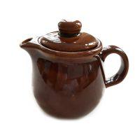 Kleine hübsche braun glasierte Teekanne aus DDR Zeiten ist ein Fundstück aus Auerbachs Keller.