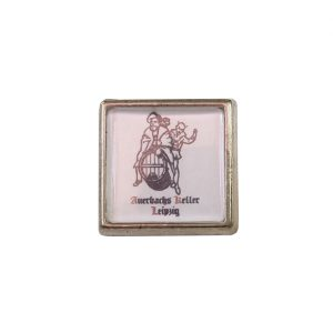 Anstecker aus Metall mit Auerbachs Keller Logo. Pin